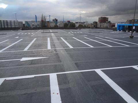 Belijning-parkeerdek-buiten
